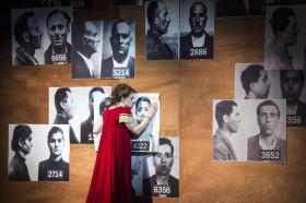 GöteborgsOperans uppsättning av klassiska operan Tosca utspelar sig i ett fascistiskt Italien, präglat av våld, misstänksamhet och girighet.