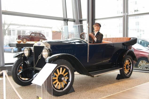 Så här såg Volvos första bil ut.