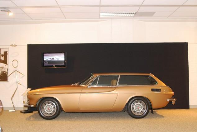 I TV-serien Helgonet med Roger Moore (känd från James Bond) kör protagonisten en Volvo P1800.