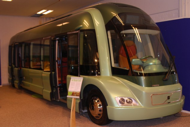 Den här bussen har rest från framtiden för att visa hur det kan se ut när allt går på el.
